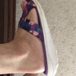 Champion Shoes - Super COMFY Champion Sandals 6 girls 8 Women